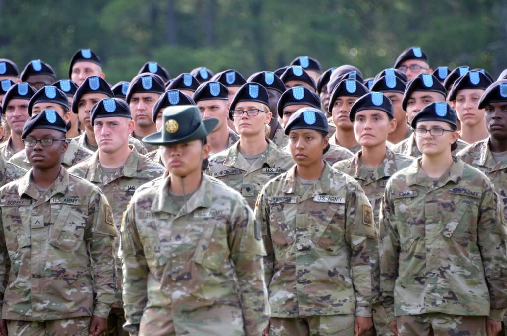 Enfrentando recortes presupuestarios, el Ejército se prepara para luchar por la modernización