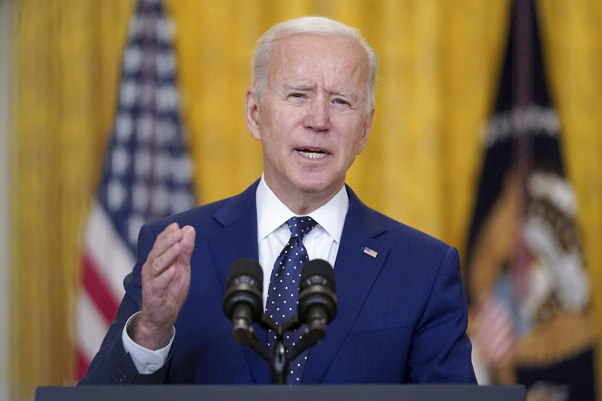 Biden orders wide cybersecurity changes for government, contractors