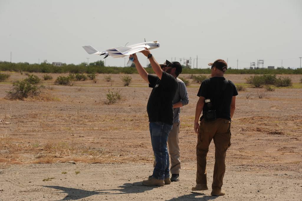 Aquí están las soluciones baratas de contra-drones que el Departamento de Defensa probó en el desierto de Arizona
