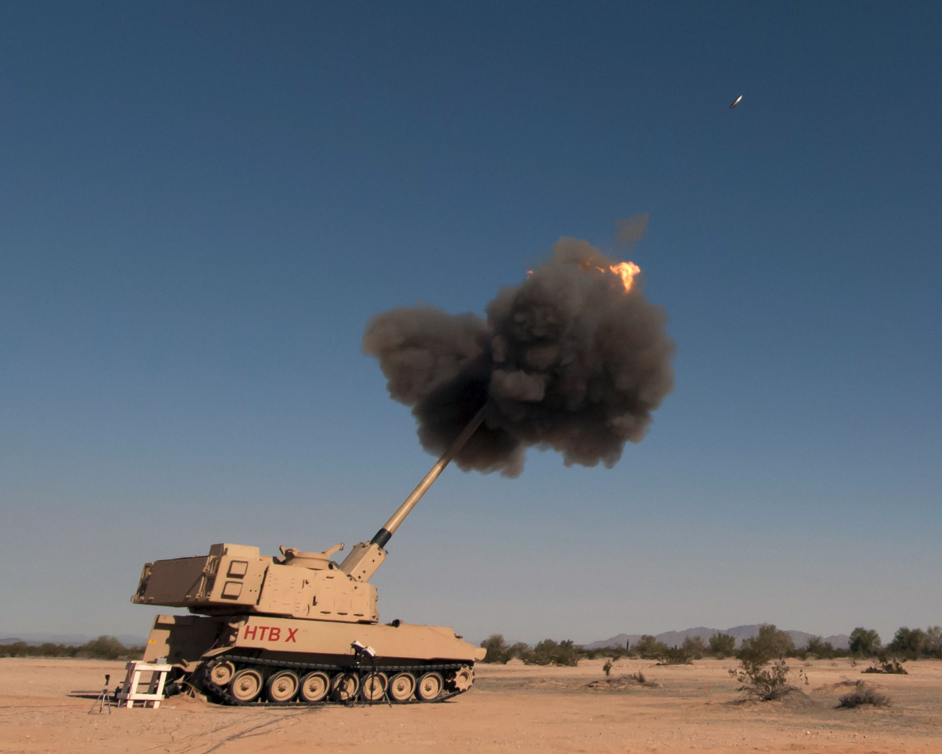 US Army picks 5 innovators to help increase its howitzer firing rate